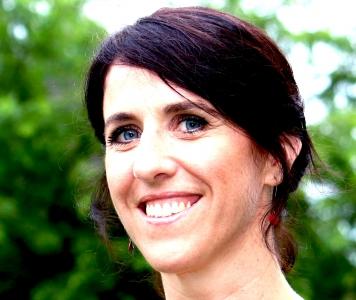 Palmes académiques décernées à Agnès Nadjar