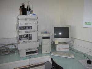 HPLC avec 2 détecteurs (DAD et fluorescence) permettant le dosage d'acides aminés, d'acides organiques mais aussi de protéine comme l'oligandrine
